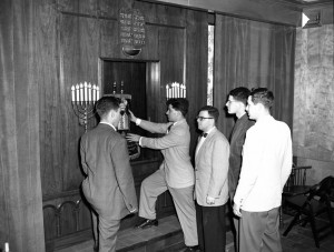 The ark at Hillel Foundation at Ohio State in 1949. (CJHS HT 256)