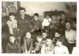 Rose Schwartz with preschoolers, 1950's
