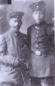 "Samuel (left) and Leo Erlanger in uniform. Source: ""Leo Erlanger,"" http://reocities.com/Eureka/Meeting/5068/fam00194.html (accessed January 7, 2011)."
