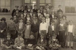 Main Street School, Bexley, 1928, 3rd Grade. Among others are Bob Holsbacher, Howard Samuels, Buddy Brock, Jack Miller, Unk. Young. CJHS 2004-26-01
